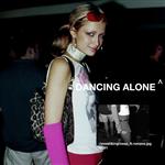 Carátula de: Dancing alone