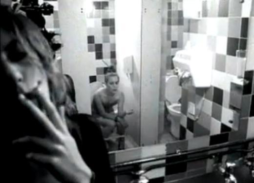 Videoclip: Cigarettes & alcohol