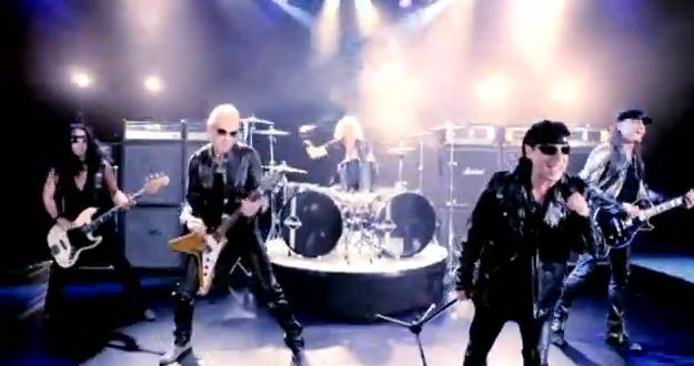 Videoclip: All day and all of the night
