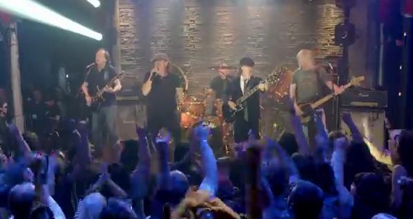 Videoclip: Rock the blues away