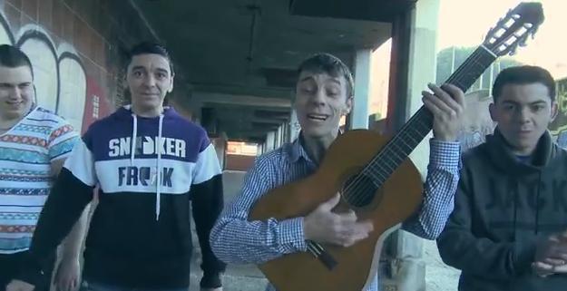 Videoclip: Al son de la calle