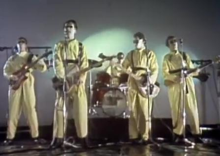 Videoclip: (I can't get no) Satisfaction