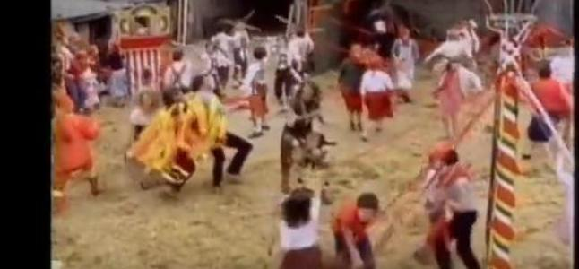 Videoclip: The safety dance