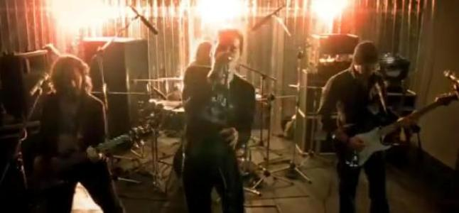 Videoclip: Aim at me