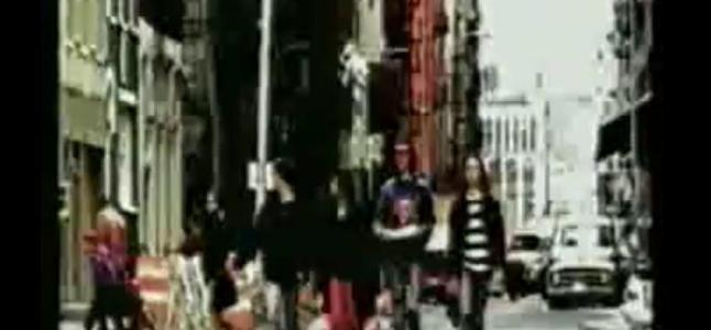 Videoclip: [Divine thing