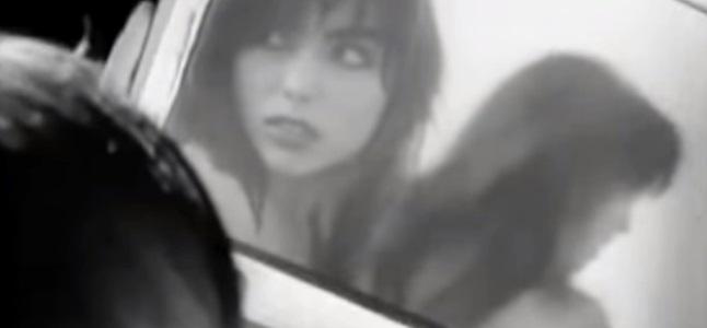Videoclip: A woman loves a man