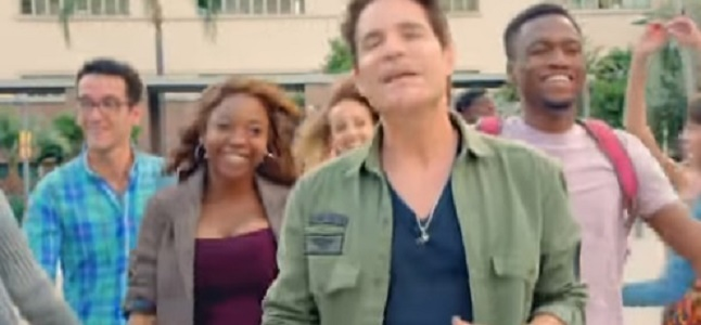 Videoclip: Play that song