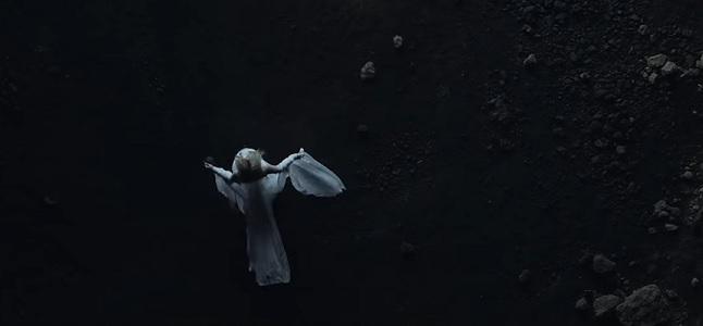 Videoclip: Head above water