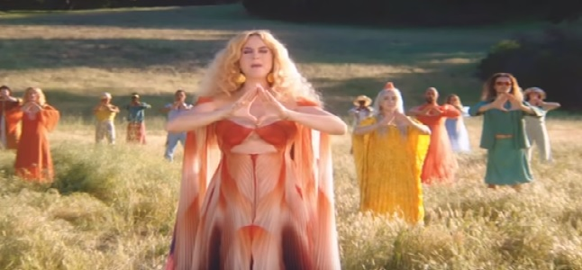 Videoclip: Never really over