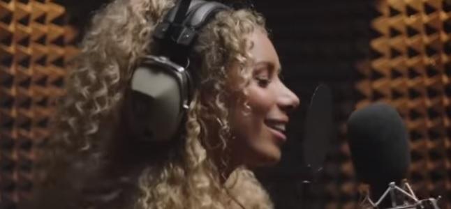 Videoclip: Solo quiero (Somebody to love)